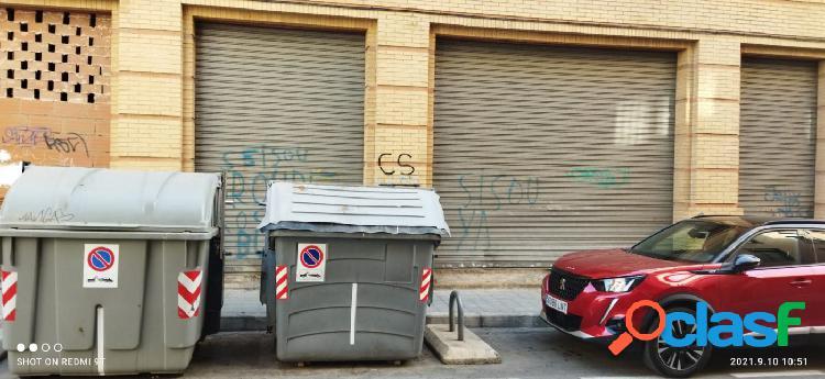 ESTUPENDO LOCAL COMERCIAL CERCA DE LA PLAZA BOLA DE ORO 1