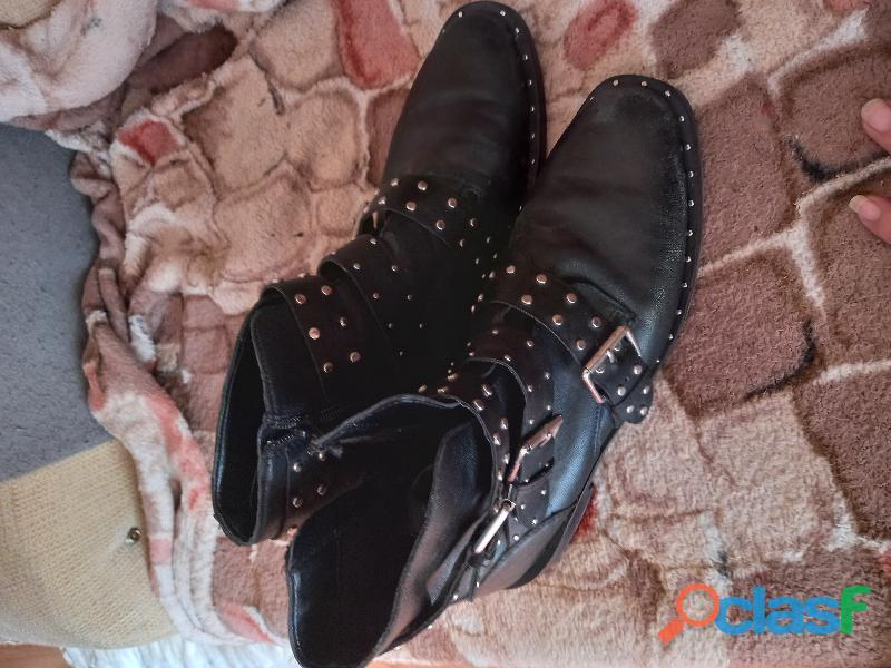 Bragas usadas como tu elijas con pipi ,botas,artículos exóticos usados