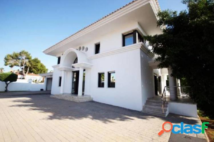 IMPRESIONANTE villa junto al campo de golf de VillaMartín tiene cine y sala de danza 1