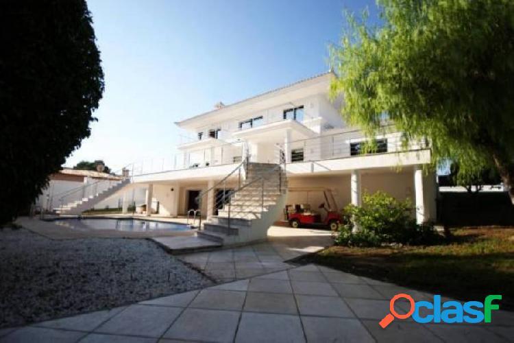 IMPRESIONANTE villa junto al campo de golf de VillaMartín tiene cine y sala de danza 3