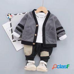 Traje de tres piezas de otoño para niños ropa de primavera y otoño de estilo extranjero para bebés de manga larga para bebés pequeños para niños de 1-2-3 años 4 versión coreana de la marea