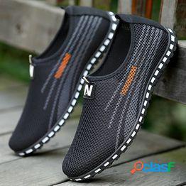 Zapatos ligeros para hombres zapatos casuales de verano transpirables de fondo suave lazy kick
