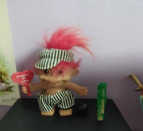 Muñeco troll de la suerte preso años 80