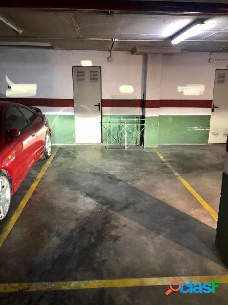 Plaza parking comoda amplia y vigilada