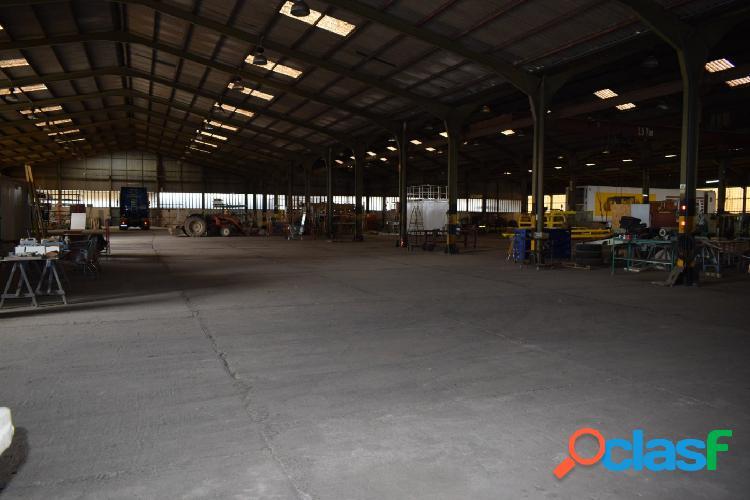 Nave industrial compatible con actividades contaminantes fabricación o almacén.