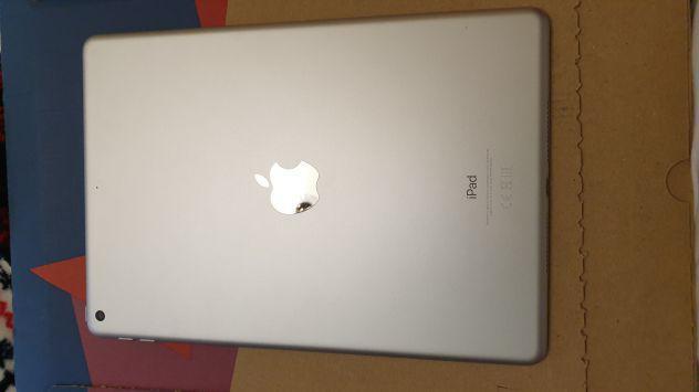 iPad 7 generación + funda + teclado