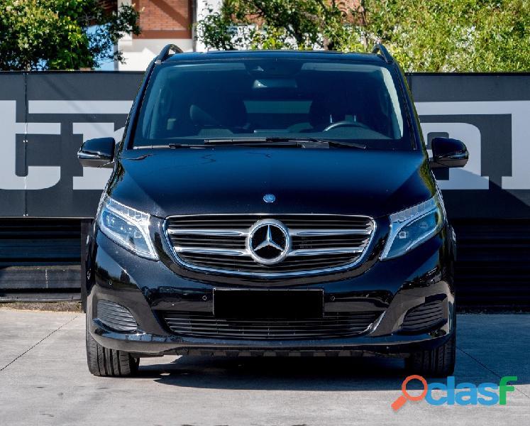 Mercedes V220 d 3
