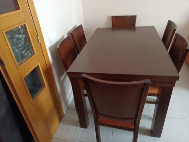 Mesa de comedor de madera maciza con 6 sillas