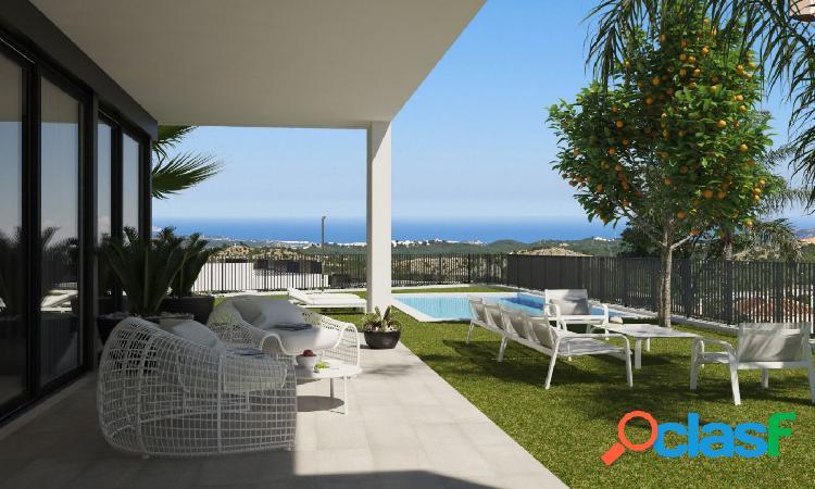 Chalet de alto standing de 4 dormitorios. suntuosas vistas al mar mediterráneo.