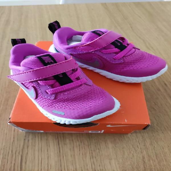 Zapatillas bebé nike revolution 5
