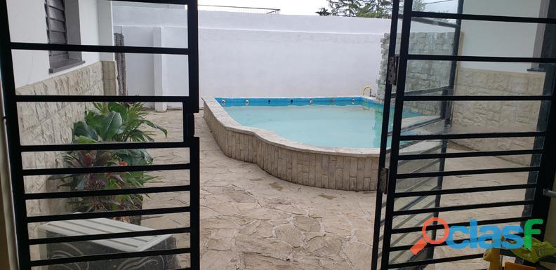 UNICA E INMEJORABLE casa grande en la Habana en el reparto Nuevo Vedado